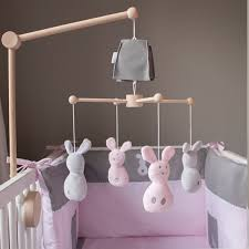 mobile chambre bébé mobile en bois fille lapinou décoration chambre bébé jurassien
