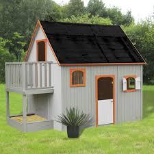 jeux en bois pour enfants maisonnette en bois avec mezzanine balcon et bac à sable pour