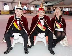 carnaval prins prins jan ii prinses evi i en adjudant geert regeren over carnaval