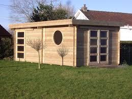 petit chalet de jardin pas cher abrit de jardin on decoration d interieur moderne petit abris de
