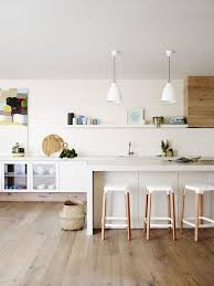 cuisine blanche design cuisine blanche et bois en 20 variantes cosy chics parfaitement