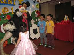 clown magician party host clown philippineskuya mau the host magician ventriloquist with