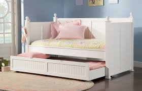 awesome bedroom decoration using light yellow pink daybed
