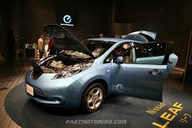 nissan japan nissan leaf wins car of the year japan 2011 2012