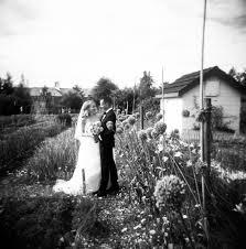 portland wedding photographers portland wedding photography mcmenamin s edgefield