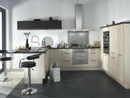 cuisine platine but but cuisine modele noir et blanc salon gris deco de definition