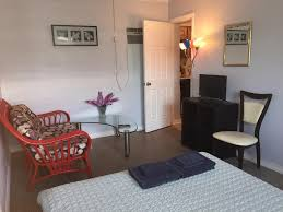 guesthouse private rooms in oakland park fort lauderdale fl