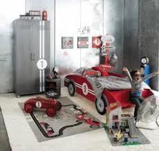 chambre voiture déco chambre garçon 27 idées originales thème voiture deco