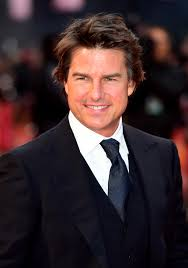 american made director says tom cruise is u0027ageing in reverse