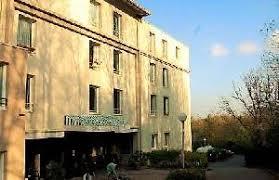 chambre medicalisee a vendre vaste et lumineux t5 3 4 chambres de 88 m2 2 balcons