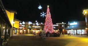 Christmas Tree Shopping Tips - holidays can rock at the outlets at castle rock shopping tips from