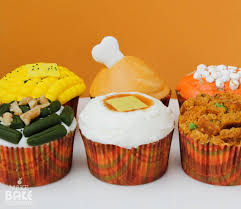 cupcakes that look like a savory thanksgiving dinner