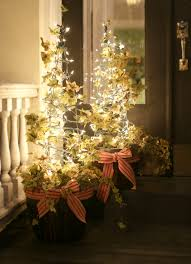 christmas tree flower lights 17 apart over on ehow tomato cage christmas tree lights