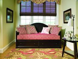 Daybed Sets Bedroom Decorating Bedroom Ideas With Area Rug And Daybed Plus