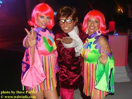 Austin Powers Halloween Costumes Universal Orlando Throws Blue Pow Wow Party Dis Unplugged