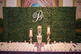 wedding backdrop green wedding ideas nature inspired manicured hedge wedding décor