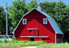 Red Barn Kennel Love The Colors Would Be Awesome Style For A Kennel Ref 3647