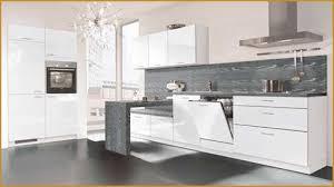 cuisine de bonne qualité cuisine équipée blanc laquée bonne qualité meuble cuisine blanc