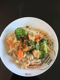 cuisiner vermicelle de riz poulet et légumes sautés aux vermicelles de riz cuisine