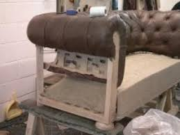 fabriquer canapé comment fabrique t on un fauteuil ou un canape chesterfield par