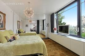 betsey johnson u0027s staid upper east side apartment slashes its ask