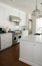 kitchen interior the 25 best hamptons kitchen ideas on pinterest american