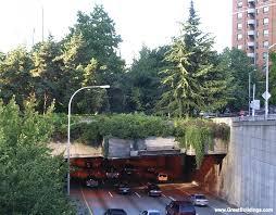 great buildings image freeway park