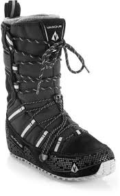 womens boots size 11 wide winter boots s winter boots at rei