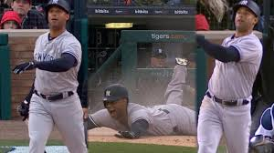 aaron hicks hits inside the park hr in win mlb com