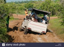 muddy jeep girls jeep stuck in mud stock photos u0026 jeep stuck in mud stock images