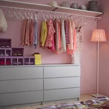 rangement vetement chambre comment aménager un dressing pratique et ranger les vêtements avec