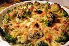 cuisiner les brocolis recette de gratin de brocolis jambon et sauce béchamel la recette