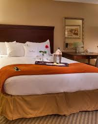 Beds And Bedroom Furniture Guest Rooms Doubletree Resort By Hilton Lancaster