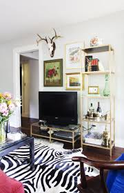 Living Room Decorating Ideas Apartment by Best 10 Small Tv Stand Ideas On Pinterest Apartment Bedroom