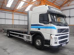 volvo truck 2003 volvo fm9 globetrotter 4 x 2 18 tonne flatbed 2003 bu03 hfp