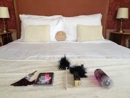 chambre coquine kit coquin à l arrivée dans la chambre picture of hotel eiffel