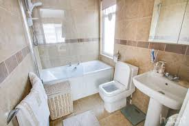 2 bedroom bungalow blackmore avenue canvey island 450 000