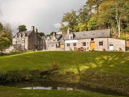best large holiday homes and cottages in the uk for a group