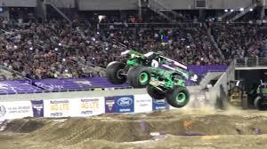 grave digger 30th anniversary monster truck 2017 01 21 orlando monster jam grave digger youtube