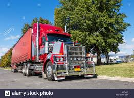 semi trailer truck semitrailer truck stock photos u0026 semitrailer truck stock images