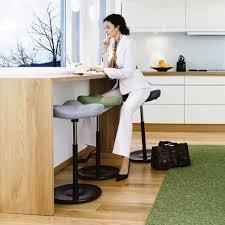 stehhilfe küche der vielseitigste stuhl varier überall einsetzbar und