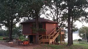 lakeshore treehouse resort city ar