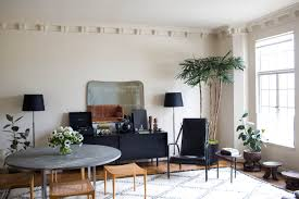 house call gallerist lisa overduin u0027s artful apartment in los