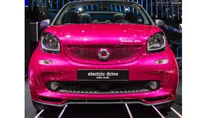 smart car pink 2017 smart fortwo electric drive arrives in paris with u20ac21 940