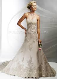 robe de mari e original ligne a en coeur évasée applique satin robe de mariée originale