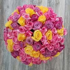 flower delivery miami send 100 mixed roses bouquet in miami same day delivery roses