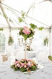 composition florale haute décoration de table mariage en 28 idées pour la table ronde