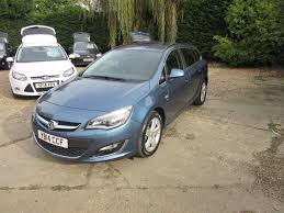 used deep sky blue metalic vauxhall astra for sale surrey
