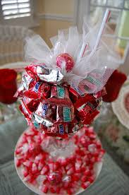 Valentine S Day Table Decorations Ideas by A Valentine U0027s Day Tablescape Table Setting With Diy Candy Bar