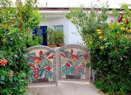 15 ideas to personalize outdoor living spaces with unique yard